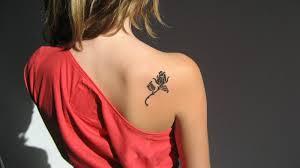 Татуировки на шее, тату надписи на шее, фотографии 70 отборных тату на шее